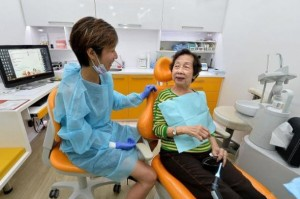Free dental treatment for senior citizens in Singapore